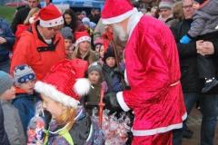 Der Nikolaus auf dem Weihnachtsmarkt